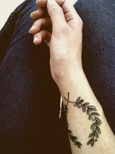 wrist wreath tattoo