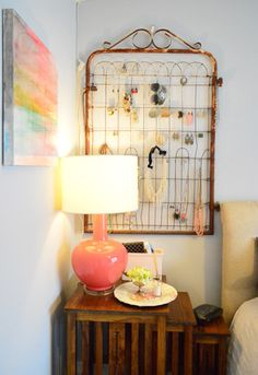old gate turned jewelry holder - genius. So want to do this in our bedroom. House Crashing: A Cozy Creative Townhouse Furniture Makeover, Home Furniture, Jewelry Holder, Diy Jewelry, Jewelry Rack, Jewelry Ideas, Unique Jewelry, Young House Love, Hanging Jewelry