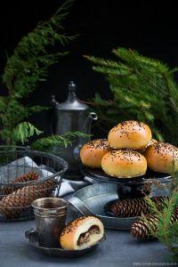 Bułki drożdżowe z maślakami Cupcake Cakes, Cupcakes, Baked Potato, Bread Recipes, Panna Cotta, Stuffed Mushrooms, Curry, Baking, Eat