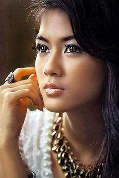 Beautiful Girl like Fashition Most Beautiful Faces, Beautiful Lips, Beautiful Asian Women, My Beauty, Beauty Women, Asian Beauty, Girl Face, Woman Face, Native American Women