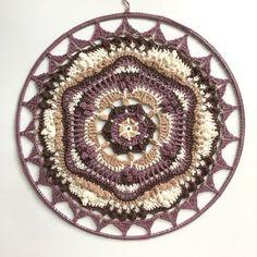 The Shangri-Mandala Cal part 1 Crochet Mandala Pattern, Crochet Art, Knit Patterns, Crochet Hooks, V Stitch, Slip Stitch, Crochet With Cotton Yarn, Popcorn Stitch, Crochet Market Bag