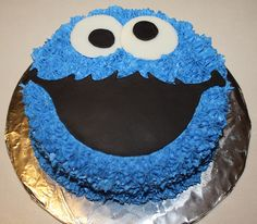 Cookie Monster Smash Cake- shape for cutting mouth from black sugar sheet