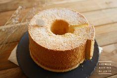 [동영상]바닐라 쉬폰케이크♪ : 네이버 블로그 Cornbread, Ethnic Recipes, Food, Food Food, Millet Bread, Essen, Meals, Yemek, Corn Bread