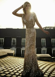 This is too pretty to be real! What an amazing and sophisticated sequin gown!  Women's formal fashion