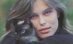 Renee Simonsen U.K. Hello 2. June 1990 - with cat - ph.: Leif Nygaard