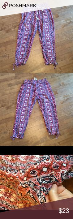 BB Dakota euphoric pants Fun awesome lightweight pants.  The back has been mended from a rip but with the pattern and area it's not noticeable at all, see third picture.  Price reflects damage. Jack by BB Dakota Pants Ankle & Cropped