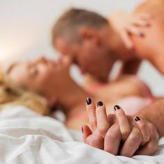 Learn how to take an evening from hot date night to incredibly hot sex with these date to sex Oral Sex Mistakes Men Make That Ruin Women's Orgasms Relationship Blogs, Relationship Goals Pictures, Marriage Games, Post Break Up, Romantic Comedy Movies, Video X, Passionate Love, Shape Magazine, Hot Couples
