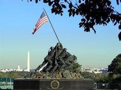 Raising the flag over Iwo Jima | PrairiePundit