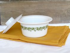 Sold. Vintage Pyrex Spring Blossom Green, Butter Margarine Dish Bowl Tub & Lid 75, Crazy Daisy Green, Daisy Flowers, Spring Daisies, Green Flowers by AgsVintageCove on Etsy