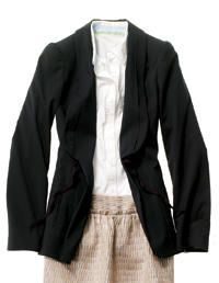 Learn how to shop for a flattering wardrobe and what a tailor can do to help. #clothes #fashion