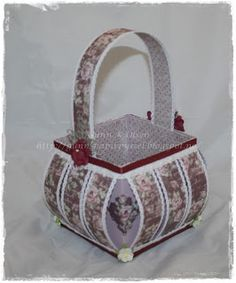 Gunns Papirpyssel, kurv, basket, Maja Design, papirbretting, paperfolding, 3D, papir, paper, scrapbooking, scrapping,