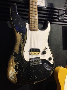Fender Bender, Types Of Guitar, Guitar Building, Fender Guitars, Guitar Pedals, Van Halen, Cool Guitar, Music Instruments, Cool Stuff