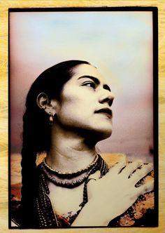 """Lila Downs;""""Es la música verdadera, del corazón"""", dijo Downs sobre la influencia de la música folklórica mexicana """"y como me lo enseño mi madre desde muy pequeña canta con alma, si no ni cantes""""."""