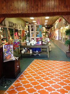 Nice casual rug for Tennessee Volunteer fan~Found at Crawford's Gifts Downtown, Athens, AL