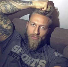 A Collection of Sexy Men with Mega Appeal Beautiful Eyes, Gorgeous Men, Hipster Noir, Beard Love, Inked Men, Beard Tattoo, Hair And Beard Styles, Good Looking Men, Moustache