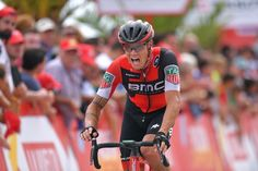 Nicolas Roche on stage 10 of the Vuelta a España gained time on the other GC riders after a good final decent