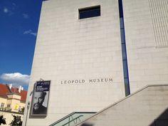 Leopold Museum: lots of Art Nueveau style Gustav Klimt, Vienna, Austria, Skyscraper, Museum, Outdoor Decor, Travel, Art, Style