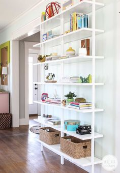 Bookshelf Styling @Michael Wurm, Jr. | inspiredbycharm.com