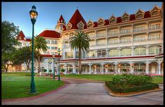 Disney Resorts -- The Grand Floridian | One of my favorite places on this PLANET!!!