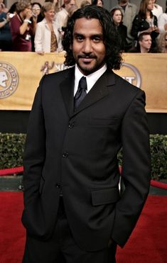 Naveen Andrews Photos - 12th Annual Screen Actors Guild Awards - Arrivals - Zimbio