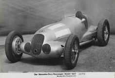 Mercedes-Benz formula racing car W 1937 (photo: Daimler AG) Classic Race Cars, Best Classic Cars, Carl Benz, Car Facts, Daimler Ag, Goodwood Revival, Classic Mercedes, Mercedes Benz Cars, Vintage Race Car