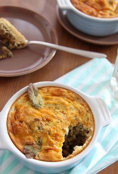 My Kitchen Antics: Bobotie (pie) Fresco, Bobotie Recipe, South African Recipes, I Love Food, Quiche, Main Dishes, Brunch, Pie, Meals