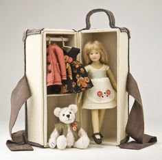 Little Sarah's Trunk Special Limited Edition : 1 Created in 2012  #Maggie_Iacono_dolls