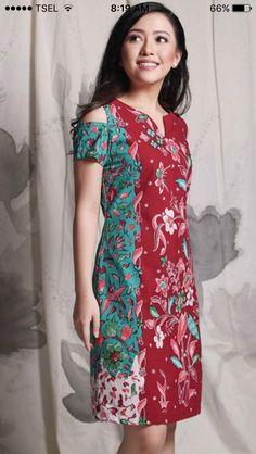 61 Ideas for dress boho formal haute couture Batik Blazer, Blouse Batik, Batik Dress, Patchwork Dress, Batik Kebaya, Amarillis, Batik Fashion, Traditional Fashion, Women's Fashion Dresses