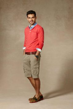 Tommy Hilfiger's classic slim shorts and knit sweaters are a win for any weekend or that last minute put together! Color variations with under tshirts, fleece, or shirts too!
