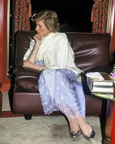 DUBAI - MARCH Princess Diana, Princess of Wales, wearing a purple Zandra Rhodes cocktail dress and a white shawl, attends a reception at the British Consulate in Dubai on March 1989 in Dubai, United Arab Emirates (Photo by Anwar Hussein/Getty Images) Lady Diana Spencer, Satin Formal Dress, Zandra Rhodes, Princess Diana Pictures, Diana Fashion, Royal Fashion, Diane, Princess Of Wales, Real Princess