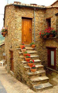 Gondramaz, Miranda do Corvo, Coimbra, Portugal Old Doors, Windows And Doors, Miranda Do Corvo, Stairway To Heaven, Stone Houses, Doorway, Belle Photo, Stairways, Beautiful Places