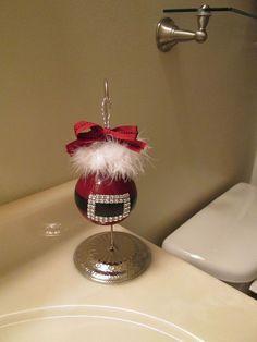 Don't Throw Away Old Light Bulbs{Turn Them Into Christmas Ornaments} !