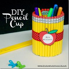 Back to School Projects and Ideas as well as Teacher Appreciation Gifts and Holiday Gift Ideas! Teacher Appreciation Week, Teacher Gifts, Craft Gifts, Diy Gifts, Pot A Crayon, Little Presents, Presents For Teachers, Pencil Cup, Pencil Vase