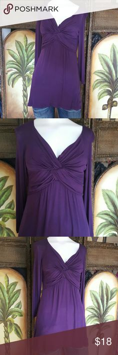 Venus purple tunic This is in gorgeous shape nowhere at all like new No fading no flaws at all Very soft VENUS Tops