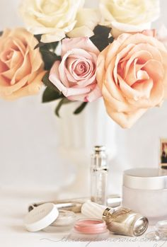 {style inspiration | on the vanity  in the makeup kit : a few favourites}