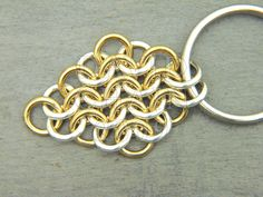 """Tutorial: European 4-in-1 Weave, Rhombus Shape from DavidChain.com (on the web page, click on """"next"""" for step-by-step instructions)"""