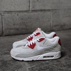 Nike Women's Air Max 90 QS