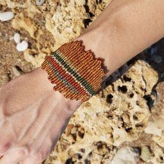 Brown coral macrame bracelet
