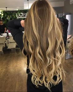 Long Wavy Ash-Brown Balayage - 20 Light Brown Hair Color Ideas for Your New Look - The Trending Hairstyle Brown Ombre Hair, Brown Hair Balayage, Light Brown Hair, Hair Color Balayage, Blonde Balayage, Hair Highlights, Brown Hair Shades, Caramel Highlights, Golden Blonde Hair