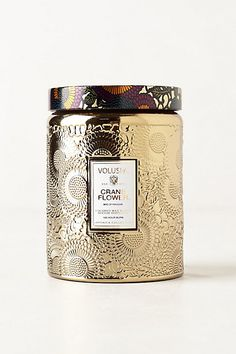 "This really, really is the BEST candle I've ever bought, smells amazing and more importantly looks great in the "" ""French cade"" color, NOT this ""crane flower"" color Voluspa Cut Glass Jar Candle Packaging, Luxury Packaging, Pretty Packaging, Brand Packaging, Packaging Design, Tea Packaging, Voluspa Candles, Scented Candles, Homemade Candles"