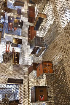 Louis Vuitton Store, Bond Street, London designed by Peter Marino Architect Need a bag. Retail Interior, Best Interior, Interior And Exterior, Design Commercial, Commercial Interiors, Visual Merchandising, Louis Vuitton Store, Store Windows, Top Interior Designers