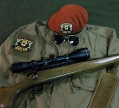 1st recon gear , ready and tidy to eradicated those who oppose the new californian republic