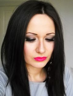 Bright pink lips against brunette hair is hot!