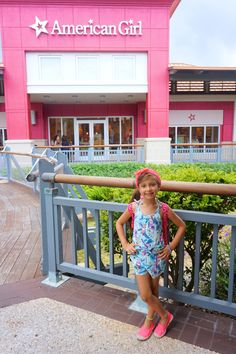 Meninas, Tenho novidades – Vai inaugurar dia 15 de novembro, a loja da American GirlPlace aqui em Orlando. Para as que não conhecem vou explicar um pouquinho. As bonecas são símbolos do univ…