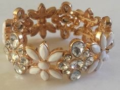 White & Diamante Flower Bracelet - Plastic Elastic Stretch Dimensions - 65mm x 65mm x 30mm Weight - 51g