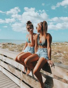 💛 best friend pictures, summer pictures, vsco pictures, vsco p Tumblr Beach Photos, Beach Tumblr, Cute Beach Pictures, Cute Friend Pictures, Friend Photos, Vacation Pictures, Beach Instagram Pictures, Happy Pictures, Beautiful Pictures