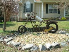 http://www.longevity-inc.com/forum/attachments/welding-projects-pictures/2510d1300672931-artwork-installed-yard-art-motorcycle-instslled.jpg