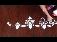 Easy and Simple Door Border Rangoli Rangoli Side Designs, Simple Rangoli Border Designs, Easy Rangoli Designs Diwali, Rangoli Simple, Boarder Designs, Rangoli Designs Latest, Rangoli Borders, Small Rangoli Design, Rangoli Patterns