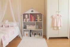 Baby girl's bedroom