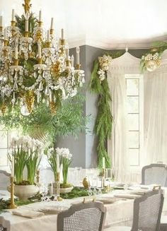 An Elegant Dining Room Dressed in Classic Evergreen Christmas Garlands love love LOVE! Every year we love decking the inside of the house out for Christmas, and this gives me beautiful inspiration! Diy Christmas Balls, Natural Christmas, Noel Christmas, Beautiful Christmas, All Things Christmas, White Christmas, Elegant Christmas, French Christmas, Christmas Entryway